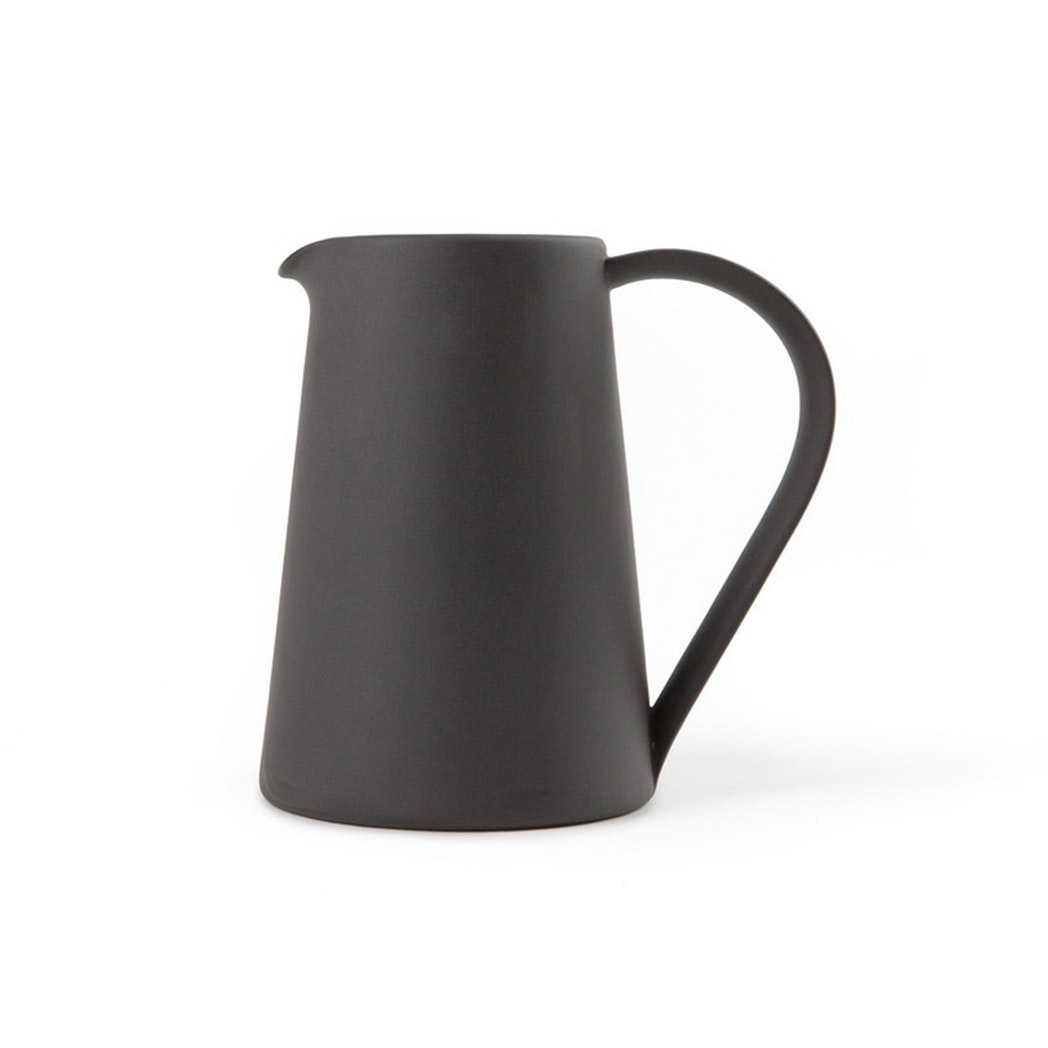 Pitcher, Black
